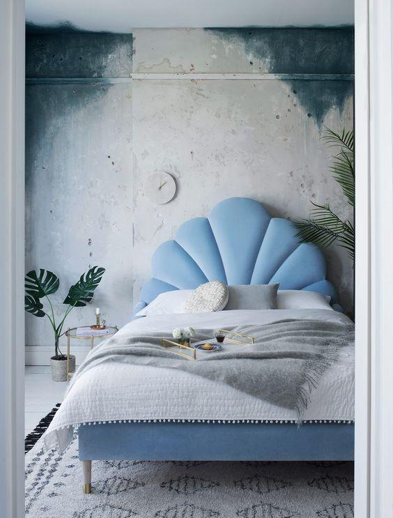 Мягкая кровать с подъёмным механизмом Perla