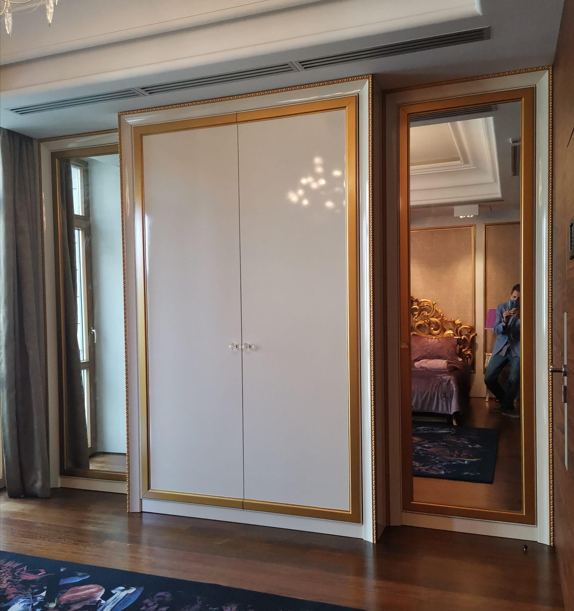 Шкаф классический из крашенного МДФ