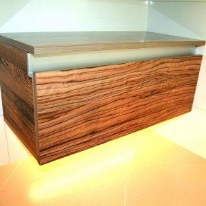 Деревянная Тумба с подсветкой в сан узел