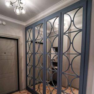 Оригинальный встроенный шкаф с зеркалами