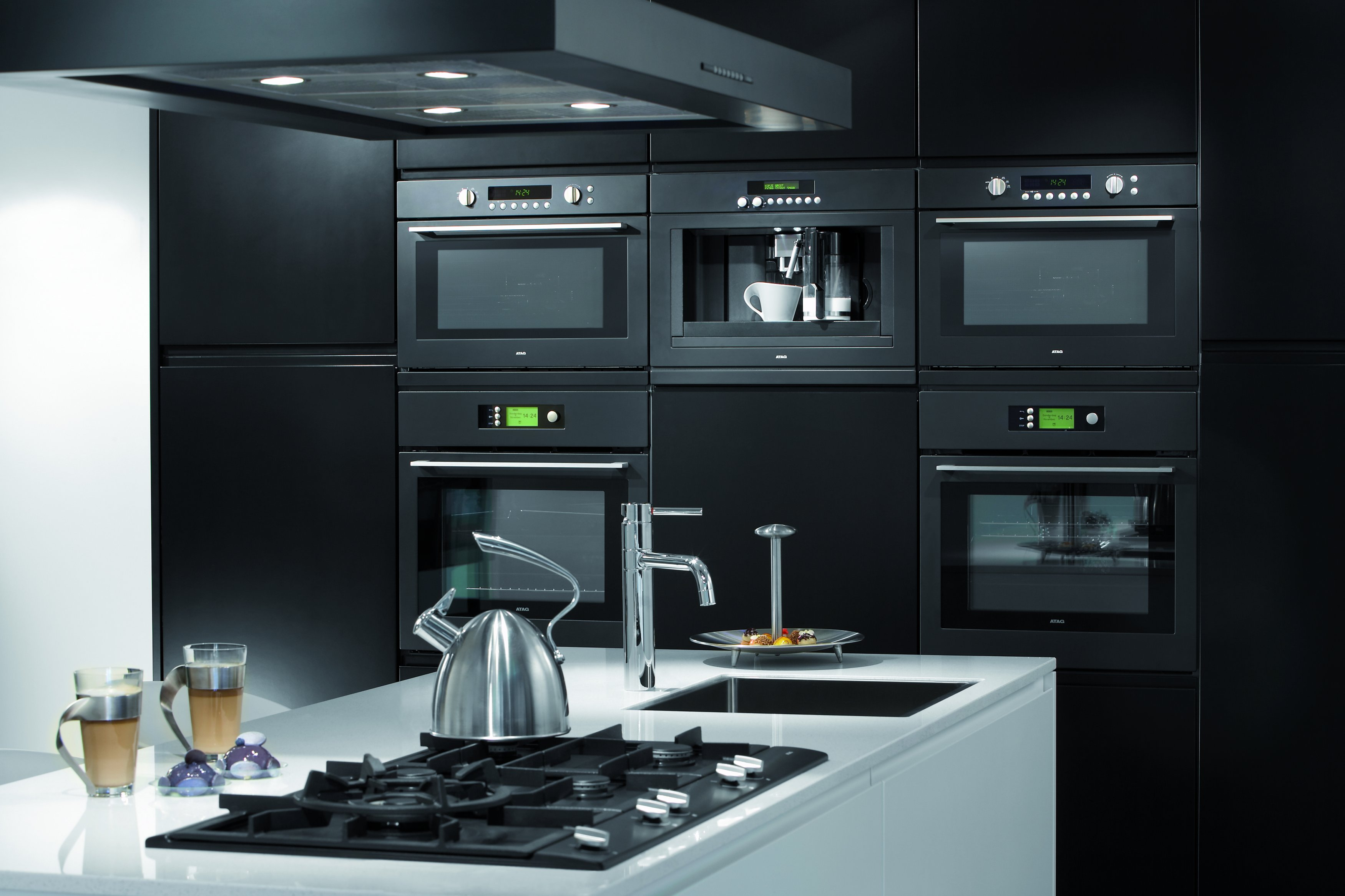 встроенная бытовая техника для кухни фото прозрачный