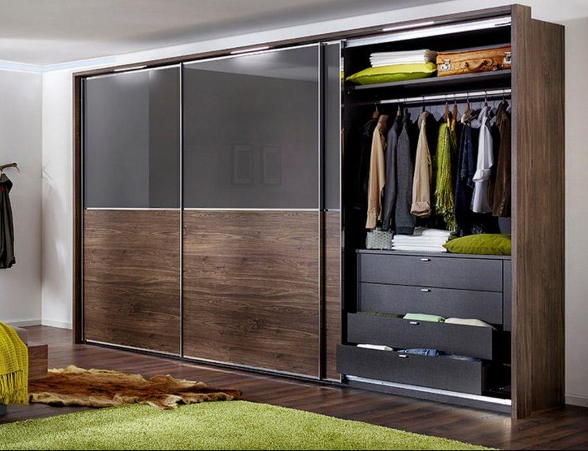 Шкаф в спальню Komandor