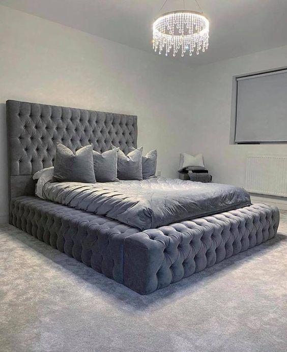 Мягкая кровать с подъёмным механизмом Adriano