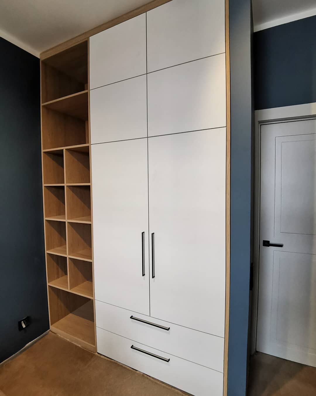 Шикарный встроенный шкаф в детскую