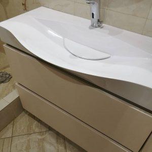 Тумба в ванную с встроенной ручкой