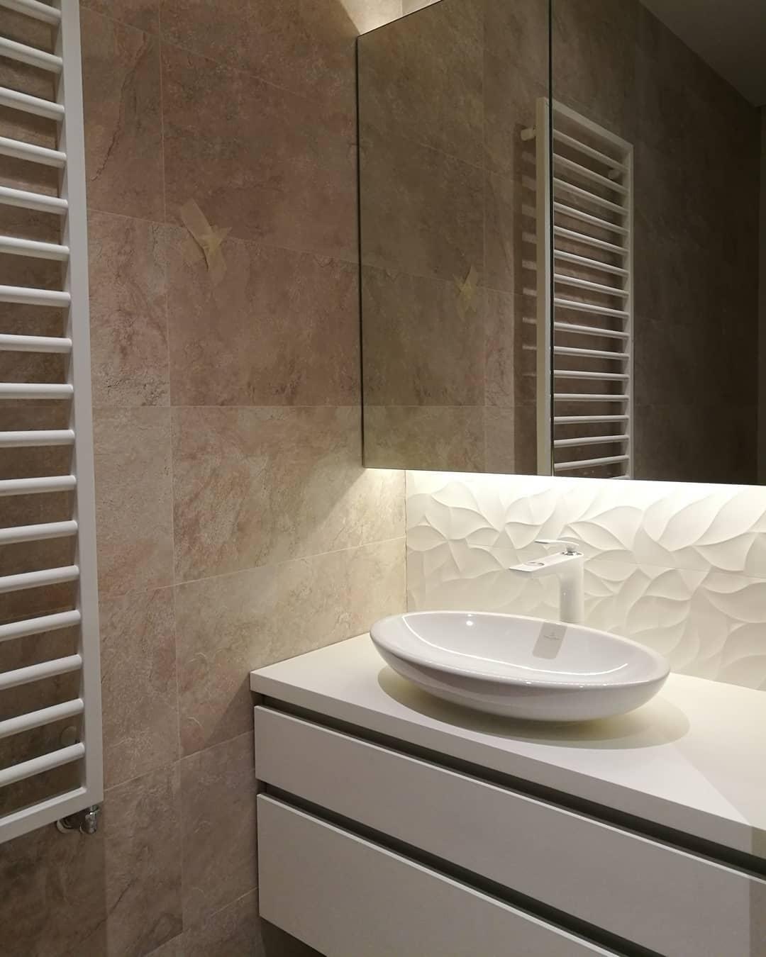 Дизайнерская тумба в ванную комнату