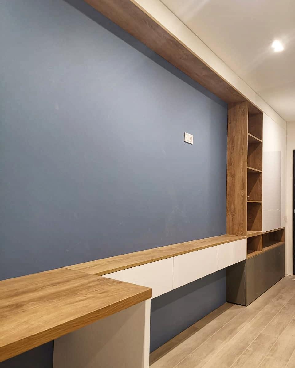 Стенка в детскую комнату с рабочим столом и шкафом