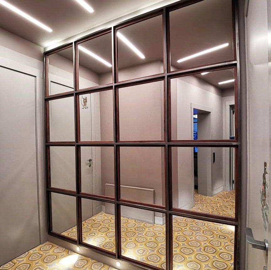 Стеновая панель с зеркалами