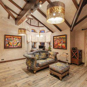 Потолочный деревянный декор
