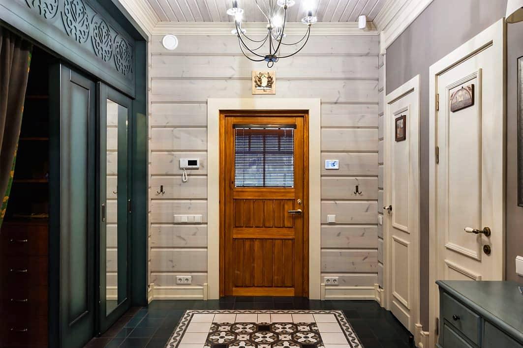 Встроенный шкаф с раздвижными дверьми
