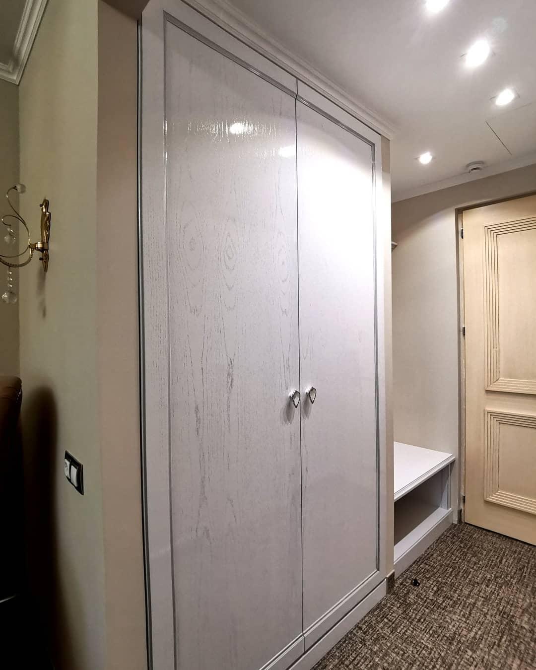 Классический встроенный шкаф для отеля AUTOR