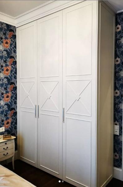 Шкаф с распашными фасадами МДФ покрытый эмалью